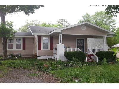 1 Bath Preforeclosure Property in Bessemer, AL 35023 - Foust Ave