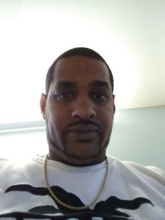 Ronald R is looking for a New Roommate in San Francisco with a budget of $600.00