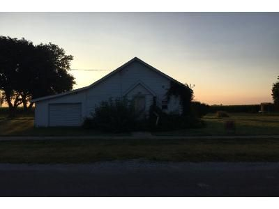 1 Bed 1 Bath Foreclosure Property in Humboldt, IL 61931 - Adams St