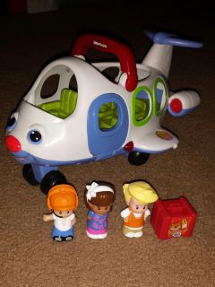 Fisher-Price Little People Little Movers Airplane. (EUC) batteries included! Asking $7.00.