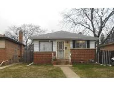 3 Bed 1 Bath Foreclosure Property in Bellwood, IL 60104 - 46th Ave