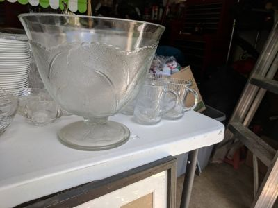 Footed Glass Bowl with leaf design and matching cups