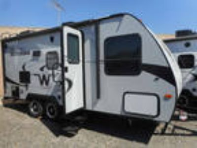 2017 Winnebago 2106FBS MICRO MINNIE