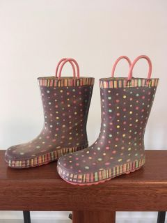 Toddler rain boots size 8