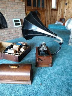 Antique phonagragh player and records