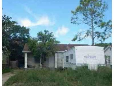 2 Bed 2 Bath Foreclosure Property in Corpus Christi, TX 78411 - Lawnview St