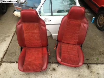 Lipstick red Rabbit caddy front seats