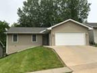 $185000 Three BR 2.00 BA, Dubuque