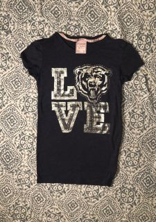 Bears V.S. Pink NFL collection tee with all blingy gems intact. Like new condition, size small