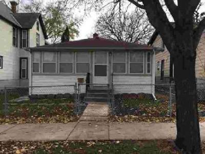 1132 Minnehaha Avenue E Saint Paul Three BR, Move-in ready home