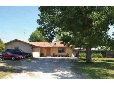 3 Bed 2 Bath Foreclosure Property in Leonard, TX 75452 - County Road 4805