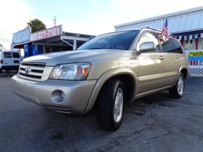 2005 Toyota Highlander Base (Gold)