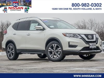 2019 Nissan Rogue (Pearl White)