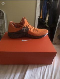 New in the box. 10.5 This seasons Tennessee Nike s. 100. OBO