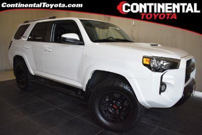 2016 Toyota 4Runner SR5 (Super White)