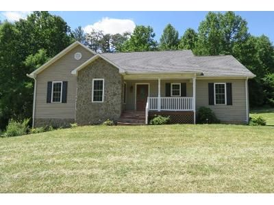 3 Bed 2 Bath Foreclosure Property in Callaway, VA 24067 - Dillons Mill Rd