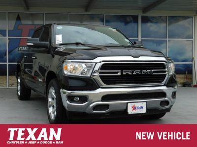 2019 RAM 1500 Big Horn (Diamond Black Crystal Pearlcoat)