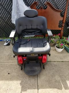 Jazzy 1450 electric wheel chair