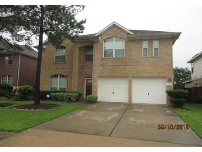 4 Bed 2.1 Bath Foreclosure Property in Pearland, TX 77584 - Drake Falls Dr