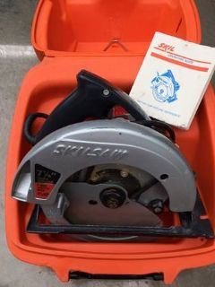"Working SKILSAW 7-1/4"" 574 Corded Circular Power Saw With Case"