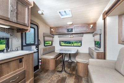 2019 Vista Cruiser 23RSS - LIGHTWEIGHT CAMPER! - 4,255 lbs!!