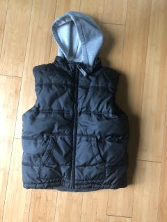 Gymboree puffer vest with sweatshirt good. Size 5/6. $5