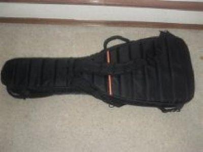 $130 OBO Mono M80 guitar case