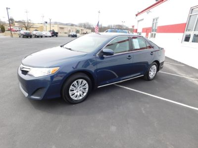 2014 Toyota Camry L (Clearwater Blue Metallic)