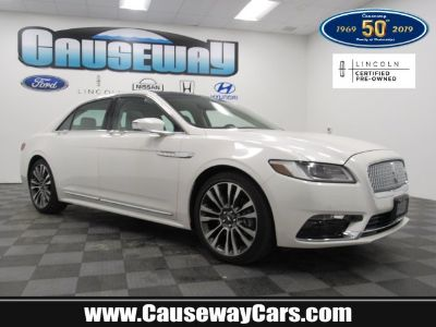 2017 Lincoln Continental Select (white)