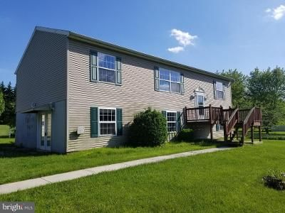 3 Bed 2 Bath Foreclosure Property in Abbottstown, PA 17301 - Meadow Ln