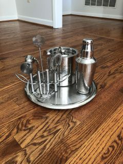 Bar gadgets! New, used in a staged home! Never actually used! $25