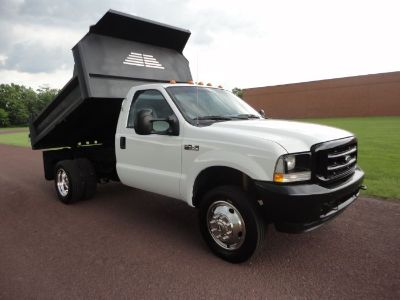 2004 Ford Super Duty F-450 DRW XL