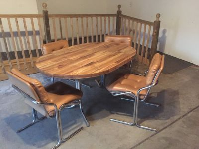 Dinette set with 4 chairs