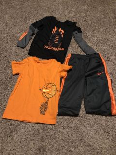 Nike outfit with extra shirt