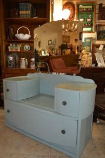 ANTIQUE VANITY WITH 3 DRAWERS
