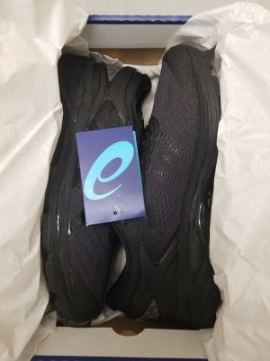 Asics Gel-kayano 24 black size 9 Brand-new