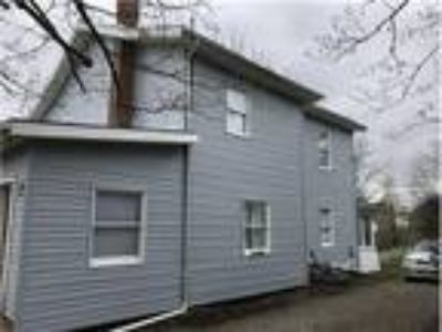 147 1/2 North Sugar, St Clairsville, OH 43950$1,600/Mo. Furnished Including