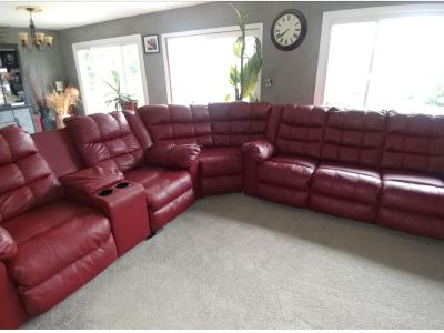 Brugundy three piece sectional couch
