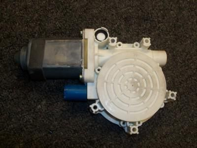 Find 2002-2005 OEM MINI COOPER R50 R52 LH DRIVER SIDE FRONT WINDOW MOTOR 67626910375 motorcycle in Bixby, Oklahoma, US, for US $99.99