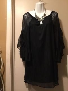 Lace stretchy dress size small I have gained some weight so I m cleaning closet out
