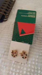 Sparkling wreath pierced childs earings