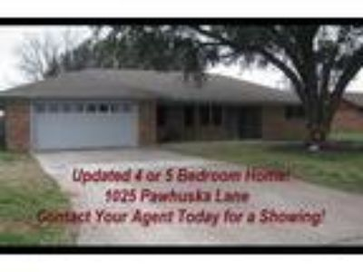 Beautiful Spacious Home Located in Burkburnett ISD & Only Minutes to SAFB!!