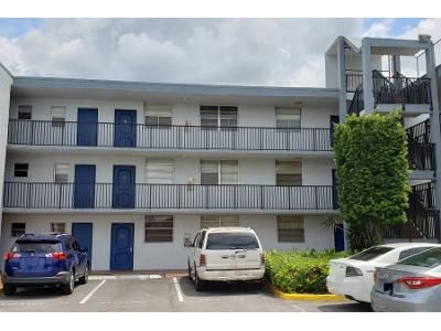 1 Bed 1 Bath Preforeclosure Property in Miami, FL 33183 - SW 87th St Apt A103