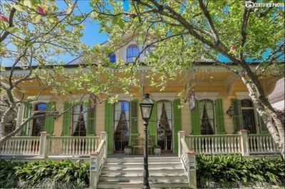 $3500 2 apartment in French Quarter