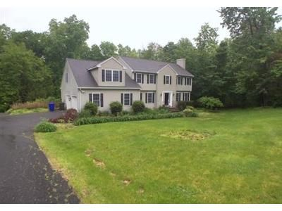 4 Bed 4 Bath Foreclosure Property in Thomaston, CT 06787 - Michelle Ln