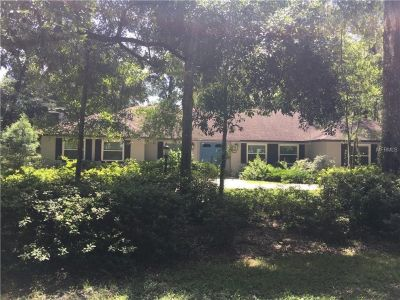 Ready To Move In! Spacious home located in a quiet neighborhood near DeLand High School....