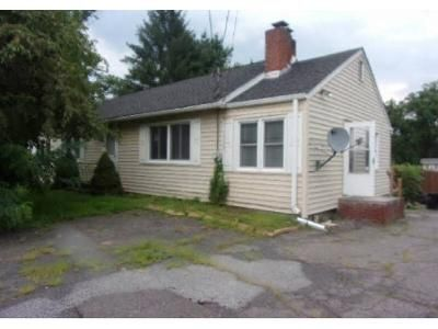 4 Bed 1.5 Bath Foreclosure Property in Modena, NY 12548 - Route 32