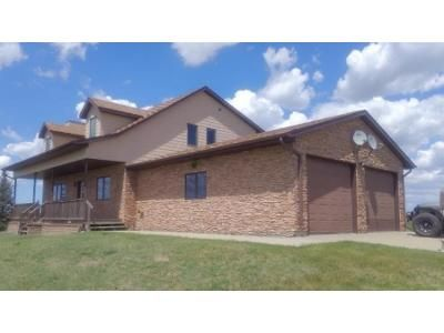 4 Bed 3 Bath Foreclosure Property in Pierre, SD 57501 - 206th St