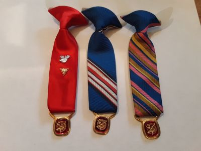 3 LOYAL ORDER OF THEH MOOSE MINITURE TIE EMBLEM HANGING FROM IT