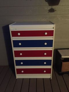 Dresser *free* need gone ASAP